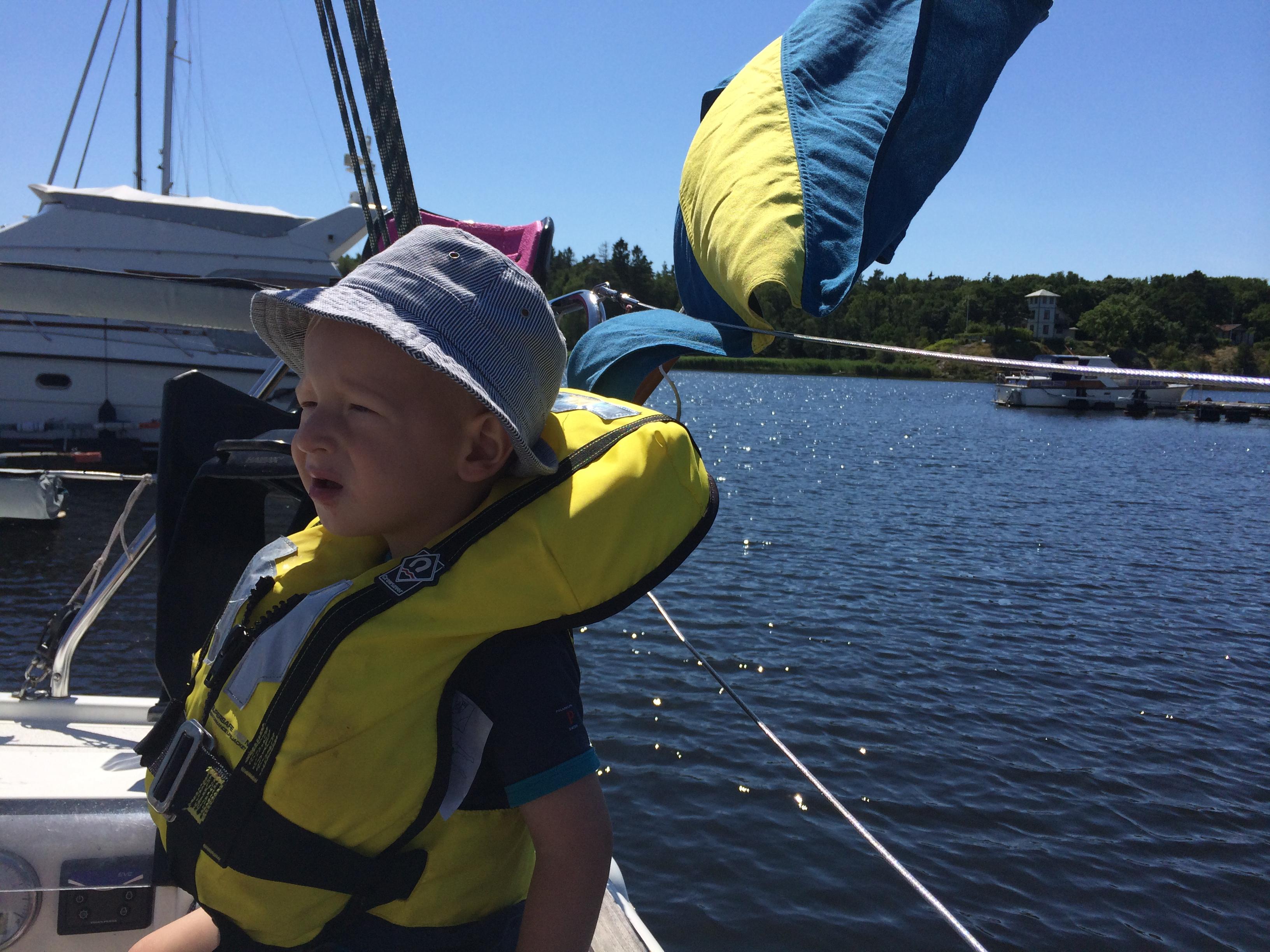"""Elliot redo att """"Backa båt"""""""